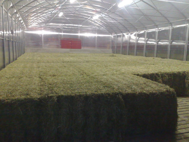 compact, hay dryer, round bales, square bales, concrete