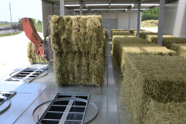 compact, hay dryer, round bales, square bales